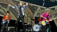 Die Rolling Stones bei einem Konzert am 1. Juni 2014 im Stadion Letzigrund in Zürich. © picture alliance / dpa Fotograf: Walter Bieri